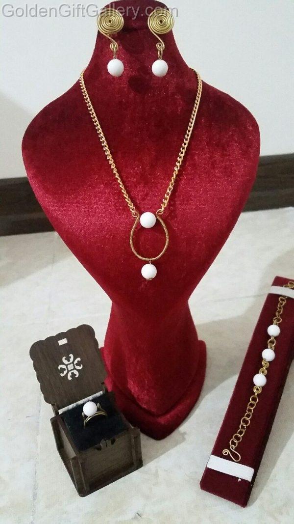 ست جواهرات برنجی